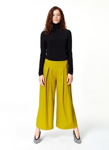 Mizalle Pile Detaylı Geniş Paça Pantolon Yeşil